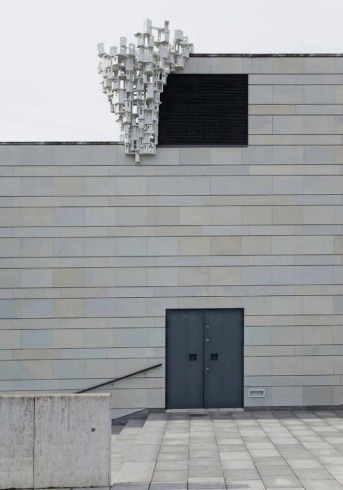"""Werk von Jenny Reissmann in der Ausstellung """"Versuchsanordnung"""" der Muthesius Kunsthochschule in Tallin, April 2014"""