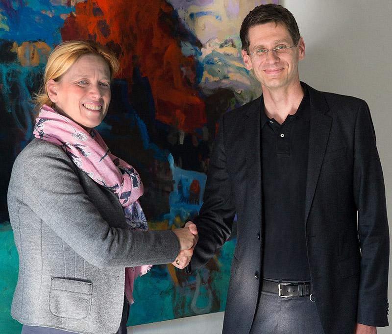Foto (Ozan Türkyilmaz): Karin Prien und Dr. Arne Zerbst.