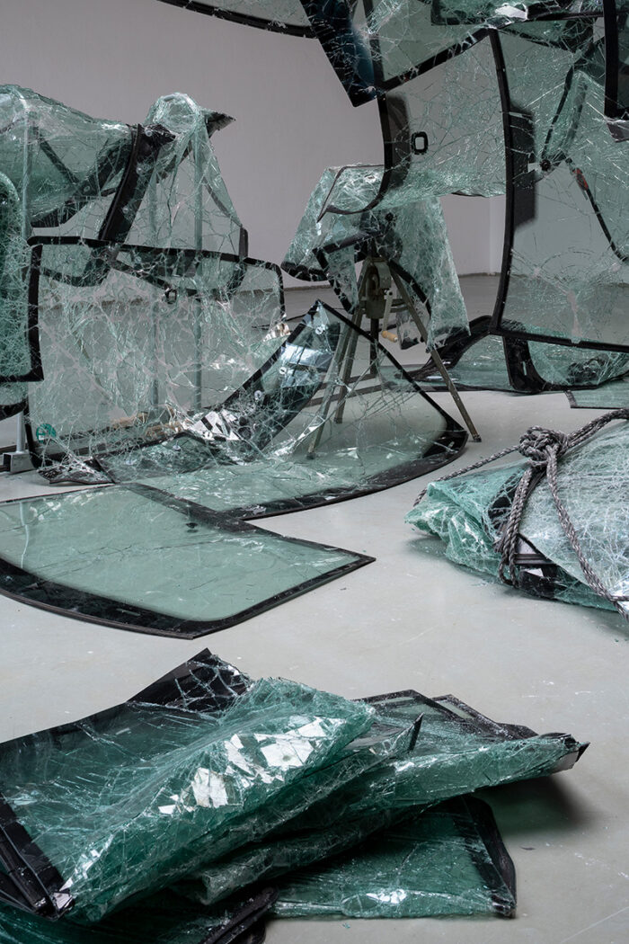 Glasrabeit, fotografiert von Kaja Grope: Ausstellung: Spechte am Meisenknödel